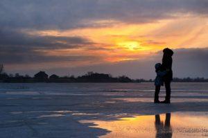 Należy pamiętać, że w przypadku rozwodu możliwe jest płacenie alimentów nie tylko na dzieci, ale i na małżonka.